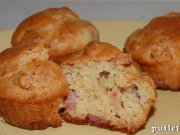 Muffins with ham