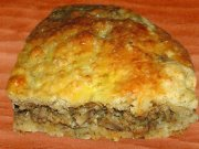 Meat and mushroom pie